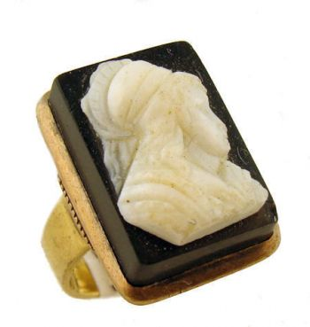14k Antique Hard Stone Cameo Ring of Grecian Male