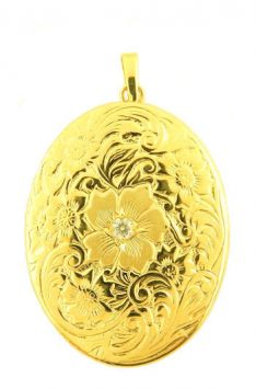 14k Yellow Gold Antique Style Engraved .04cttw Diamond Oval Locket