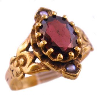 Antique 14k Rose Gold Pyrope Garnet & Seed Pearl Ring