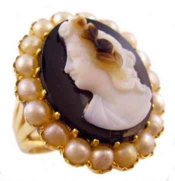 Antique 14k Yellow Gold Hard Stone Flora Cameo & Seed Pearl Ring