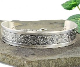 Antique Style Sterling Silver Engraved Forget Me Not Flower Bracelet