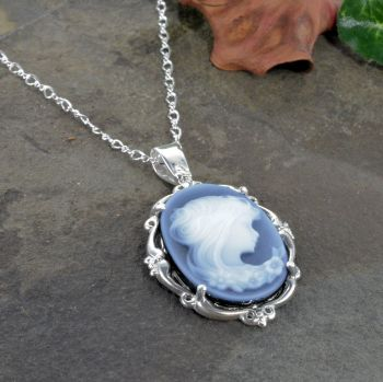 Sterling Silver Vintage Style Agate Cameo Pendant with Chain