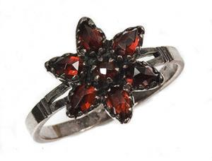 Sterling Victorian Style Rose Cut Bohemian Garnet Star Cluster Ring