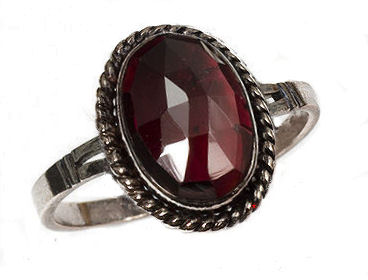 Sterling Victorian Style Rose Cut Oval Bohemian Garnet Ring