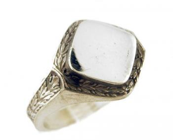 Victorian Style Sterling Silver Laurel Leaf Signet Ring