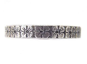 Victorian Style 3mm Primrose Patterned Wedding Band