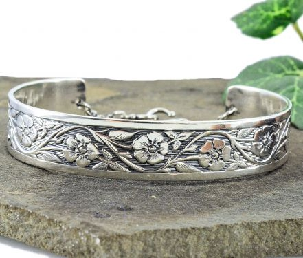 Antique Style Forget Me Not Flower Cuff Bracelet In