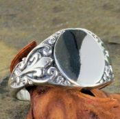 Antique Style Sterling Silver Fleur de Lis Signet Ring