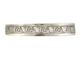 Victorian Style 3.3mm Patterned Wedding Band